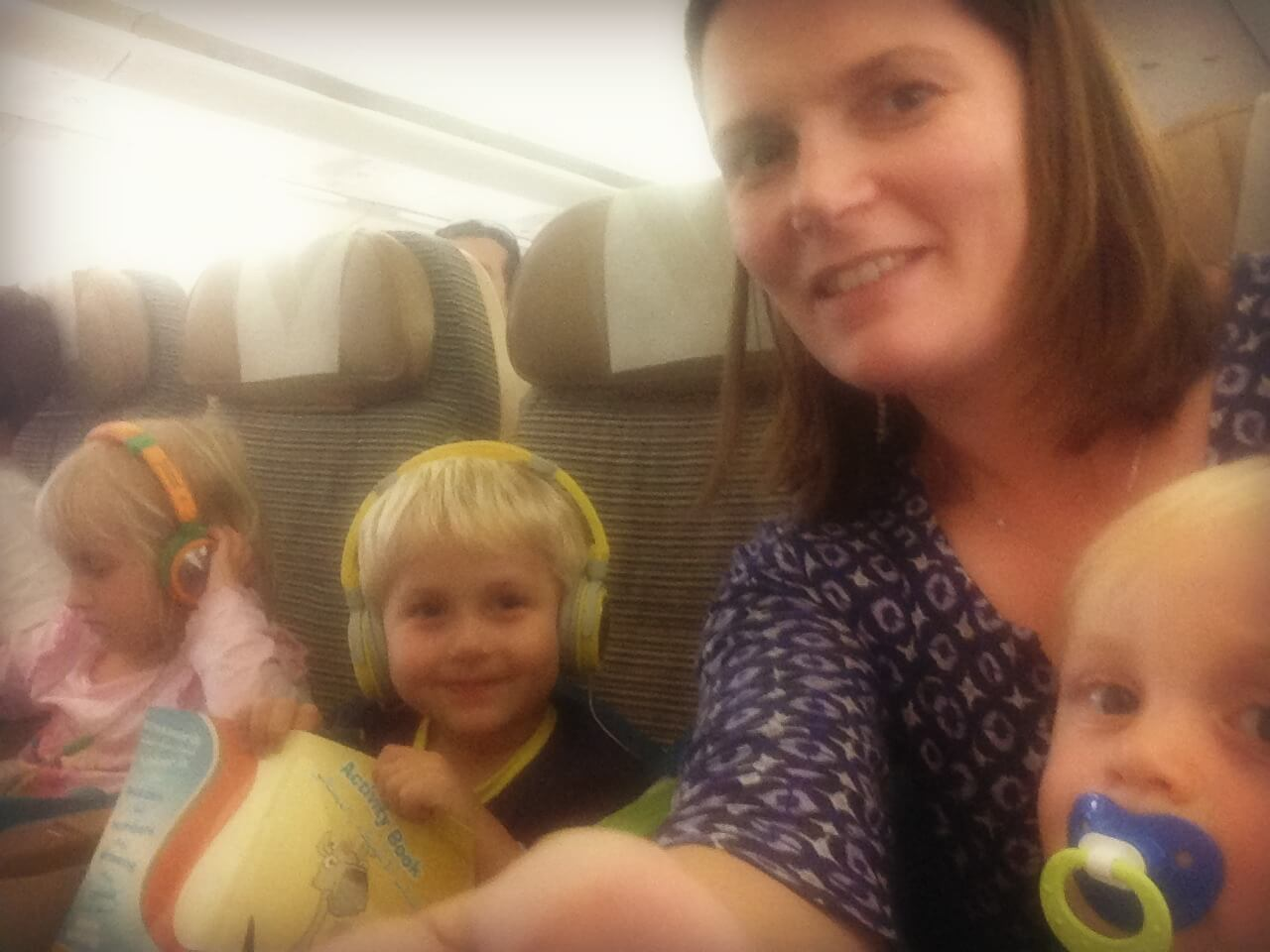 How to fly as a single mum with three children | Our Globetrotters family Travel Advice