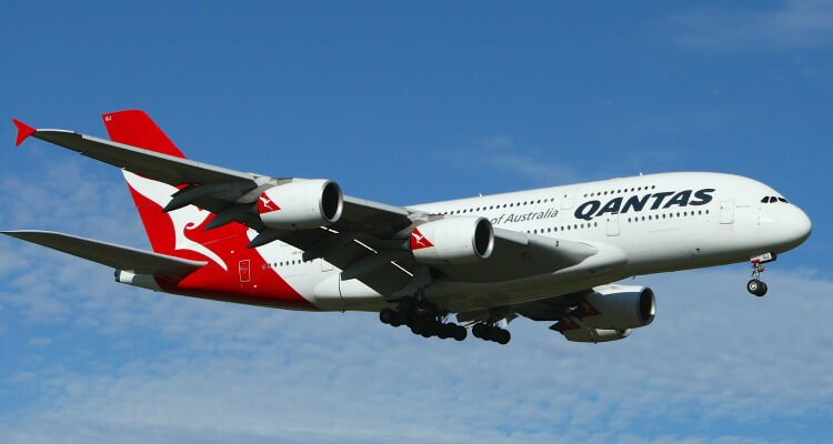 Qantas Plane Familt Flying Review