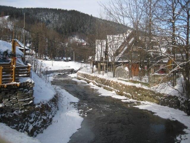 Zakopane, Poland | Best cold weather destinations for Family Travel | #wintervacation #poland #zakopane