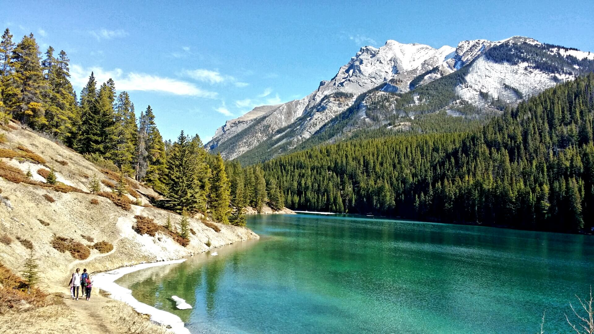 Banff Canada   Best Hidden Gems for Family Travel   OurGlobetrotters.Com