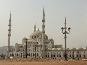 Sheikh Zayed Mosque Fajairah (Phote Credit My Yellow Bells)
