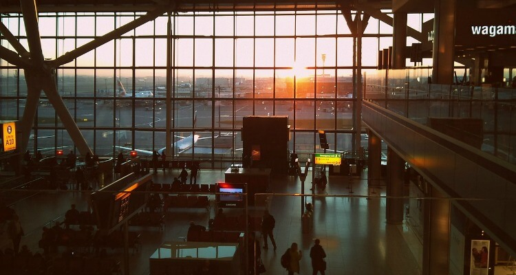 Airport scene - how to book cheap flights