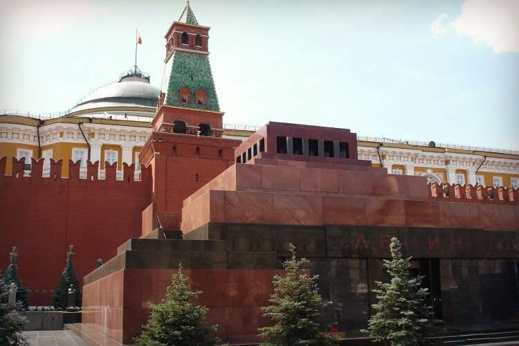Mausoleum Red Square Moscow | Exploring Moscow with kids