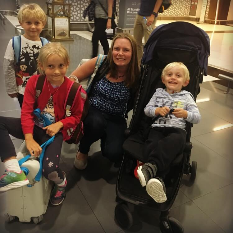 The Globetrotter Family taking on an 11 hour flight with the Jet Kids Bed Box and Mountain Buggy Nano