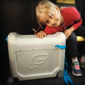 Testing the Jet Kids Bed Box with frequent flying family The Globetrotters