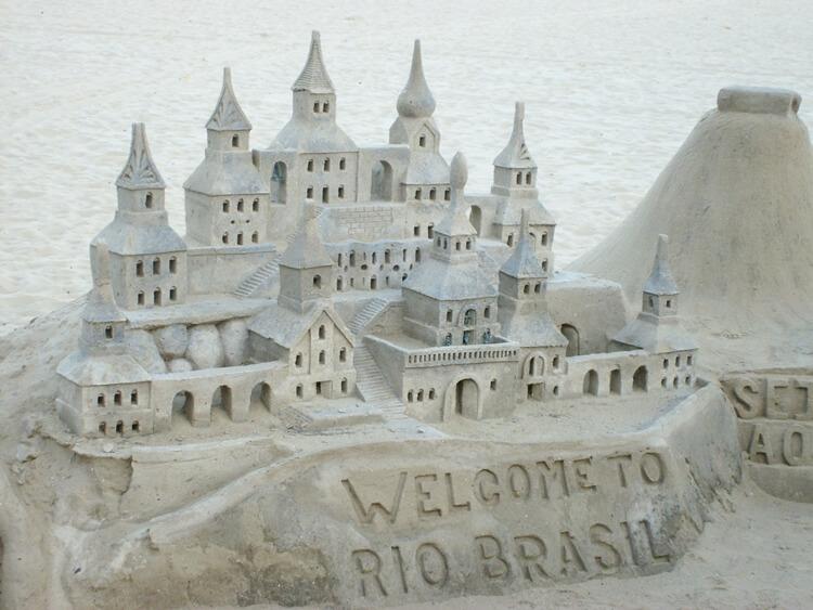 Sand sculpture in Copacabana beach | Explore my City Rio De Janeiro