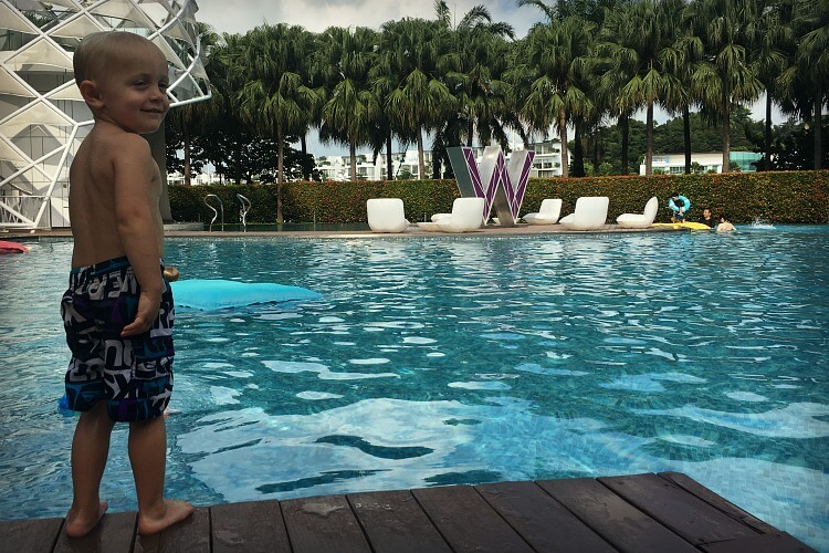 Family relaxation with a trendy vibe at W Singapore | Hotel review with Our Globetrotters