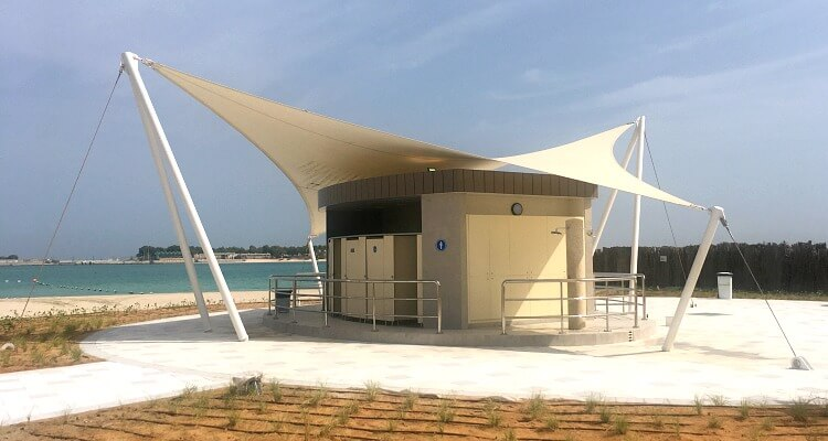 Change room facilities at AquaFun Abu Dhabi Corniche inflatable play park | Review by Our Globetrotters