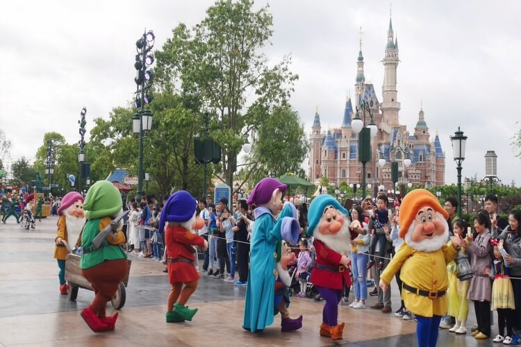 Shnaghai Disney Parade | Explore My City Shanghai with Kids