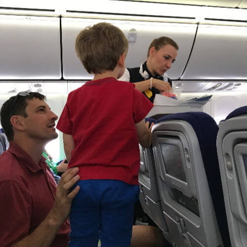 Customer service with kids on board Lufthansa