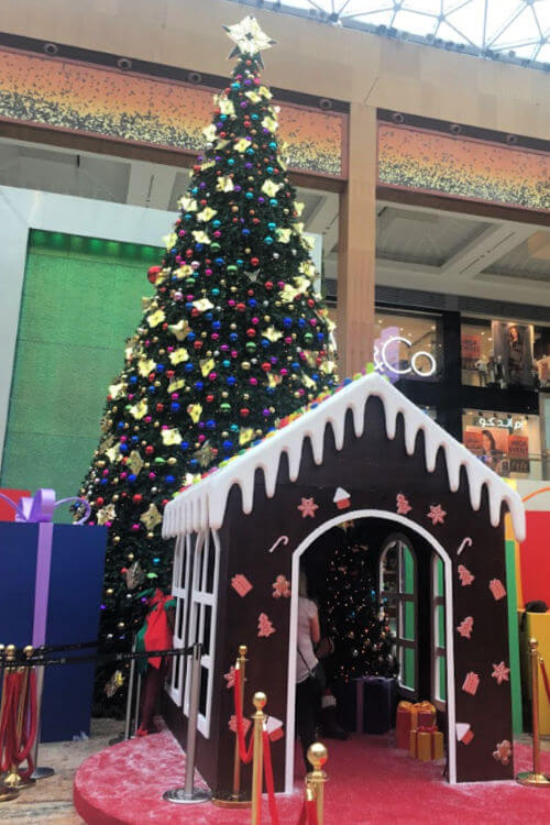 Santa Grotto Yas mall