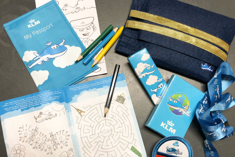 Kids packs on KLM transatlantic flight