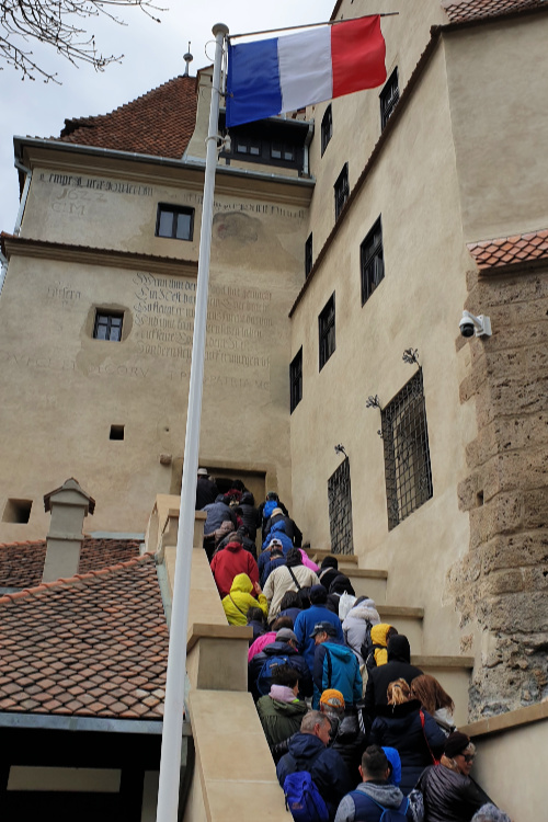 Bran Castle queues to get in
