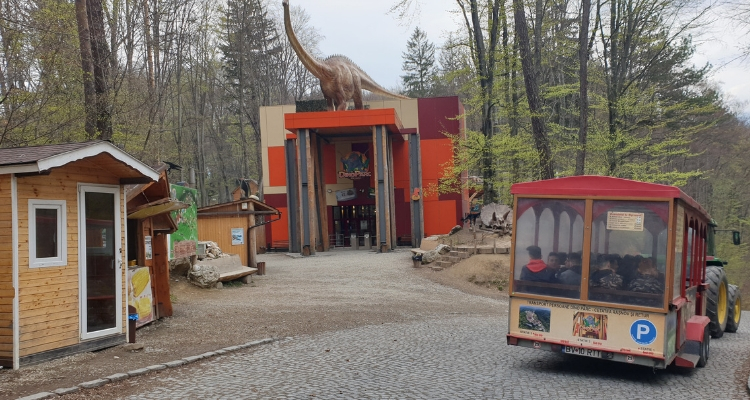 Rasnov Dino Park