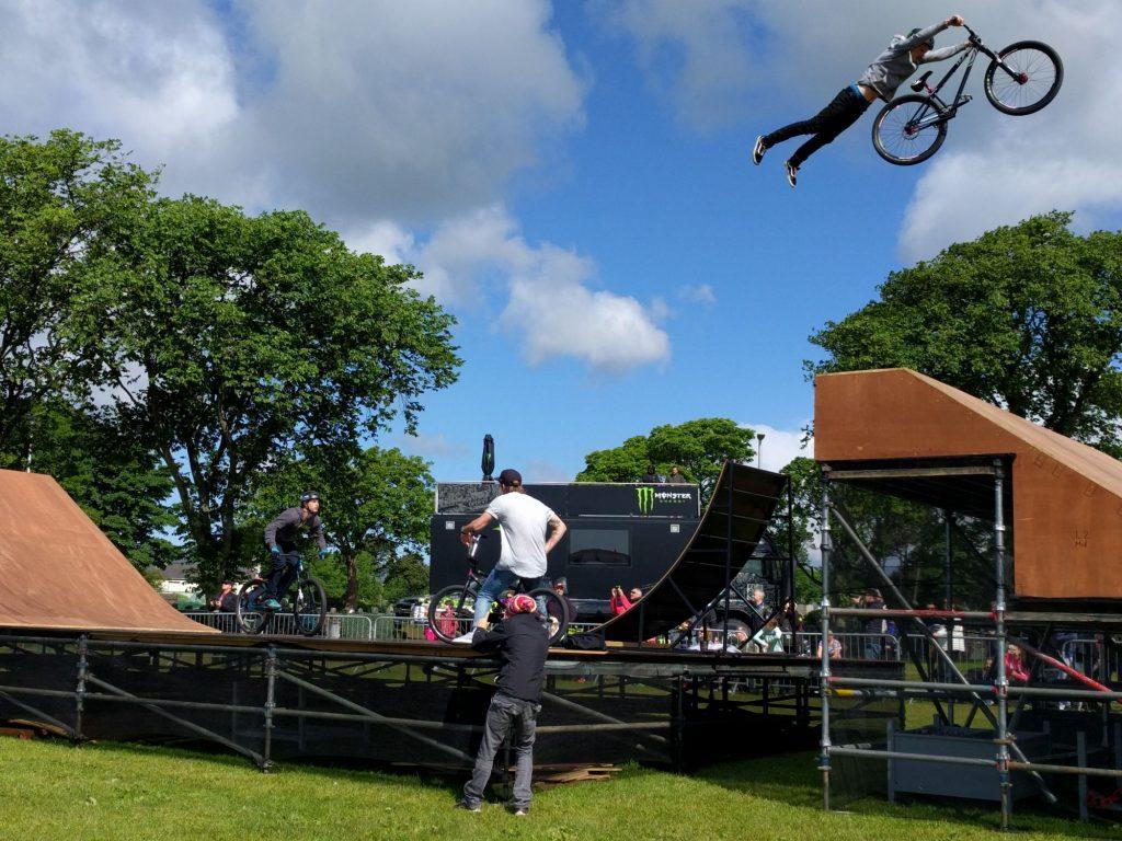 IOM TT race stunts