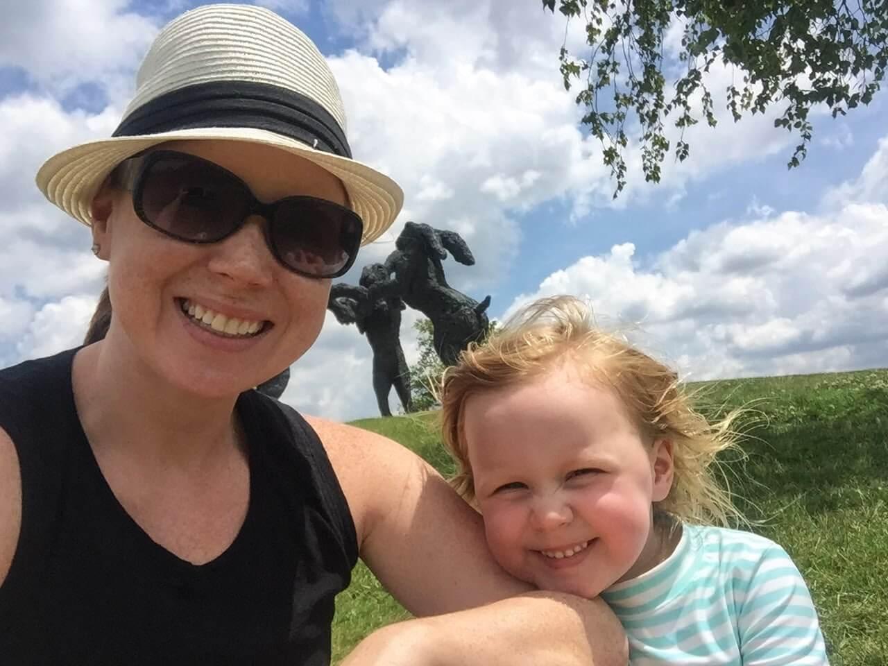 Ballantra Bunny Splash Pad in Columbus Ohio Mom & daughter enjoying