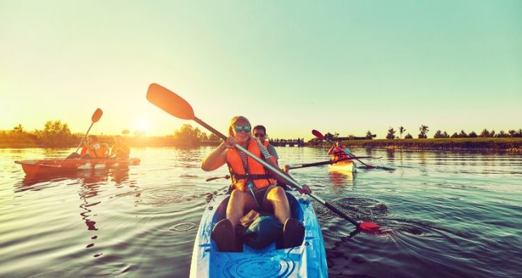 Kayak new hobbies while travelling