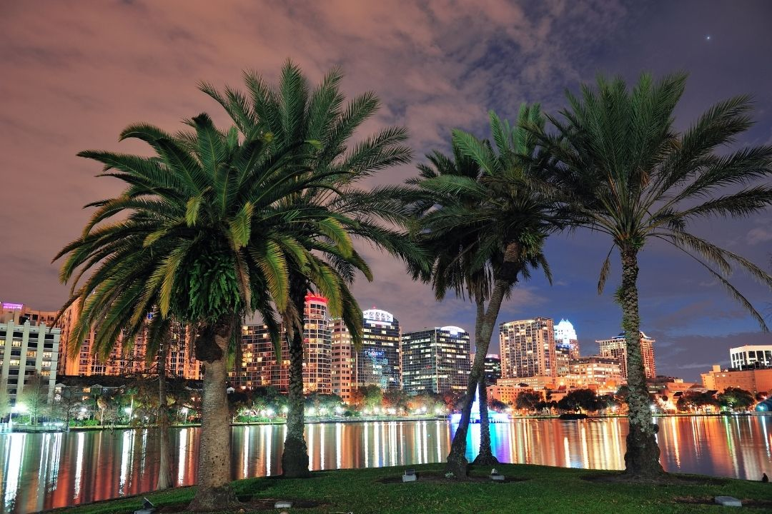 The city of Orlando at night